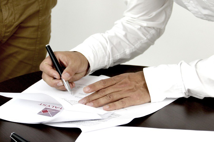 Prośba o zwrot podatku VAT przy nabyciu towarów do czynności całkowicie lub częściowo zwolnionych od podatku